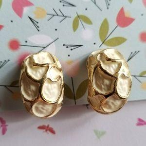 Chunky vintage clip earrings white enamel gold